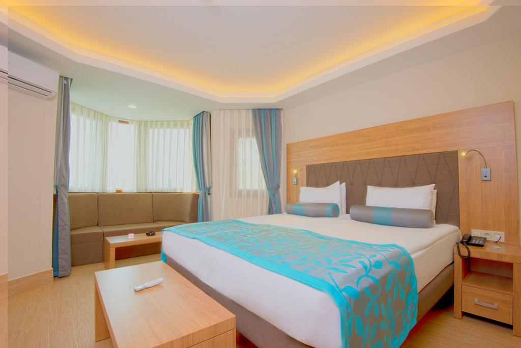 Club & Hotel Letoonia8
