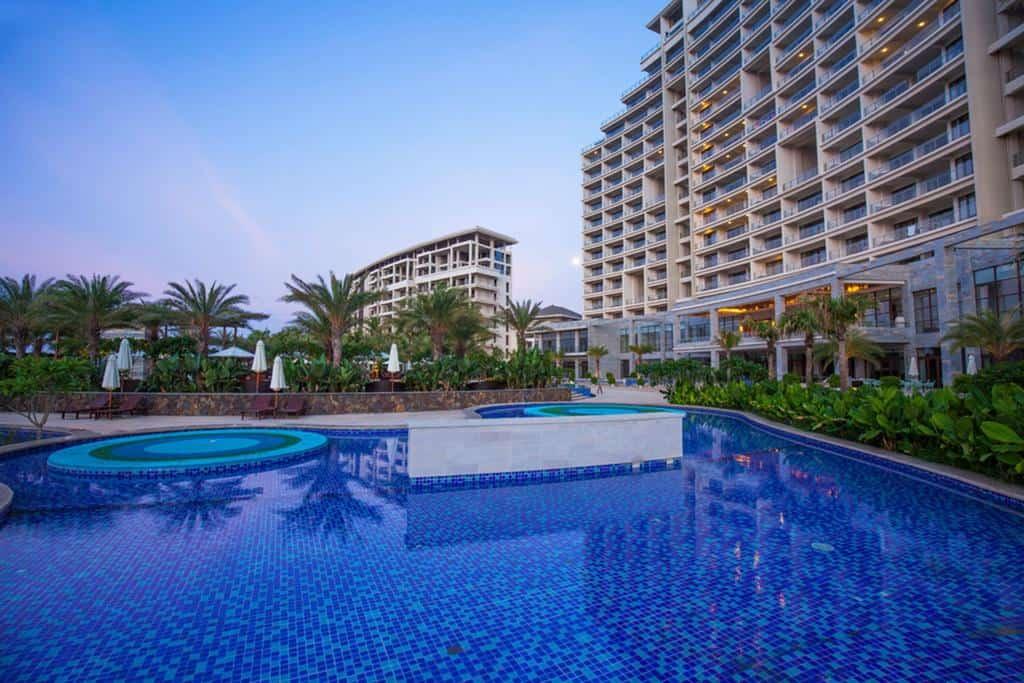 Тихий и уютный курортный отель aloha oceanfront suite 5 Китай Санья